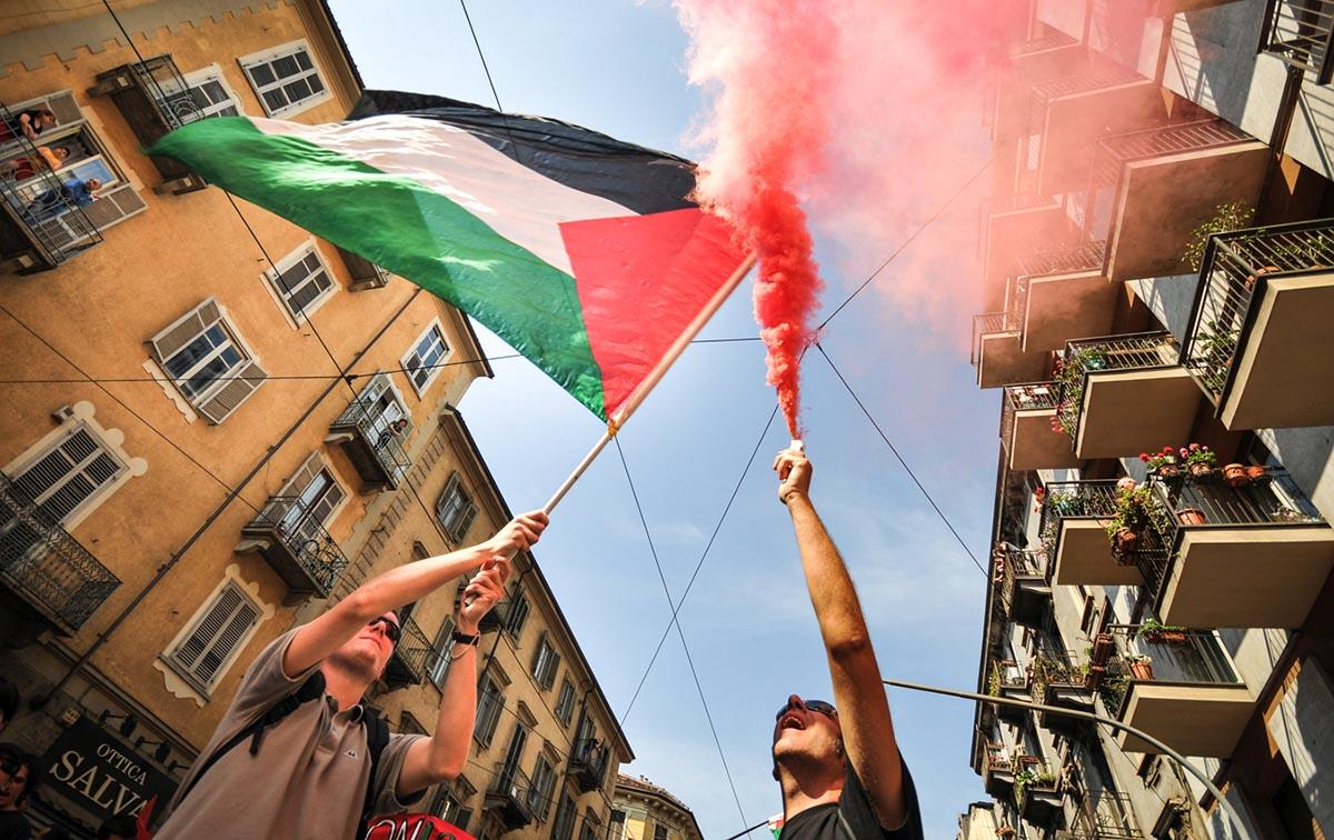 Manifestazione contro Israele ospite del Salone del Libro